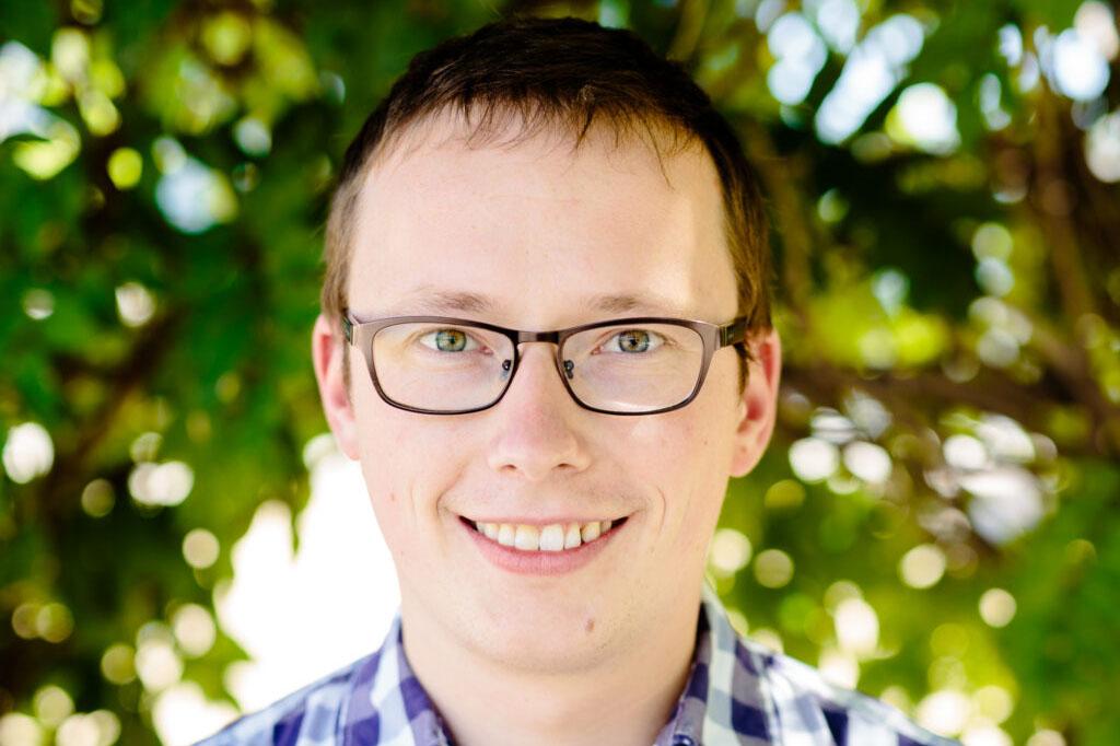 Dr Jonathan Balls